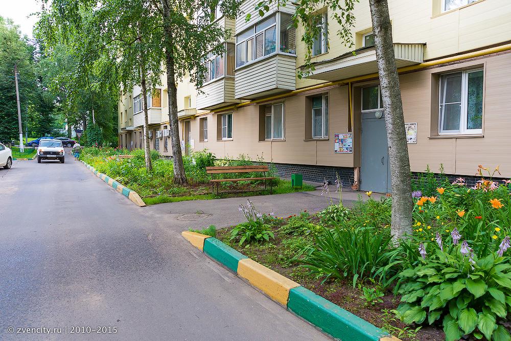 Программа благоустройства дворов в Звенигороде находится под угрозой срыва