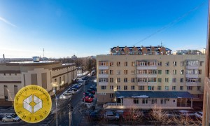 4к квартира, Комарова 17, этаж 5