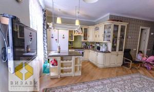 5к квартира, Комарова 13
