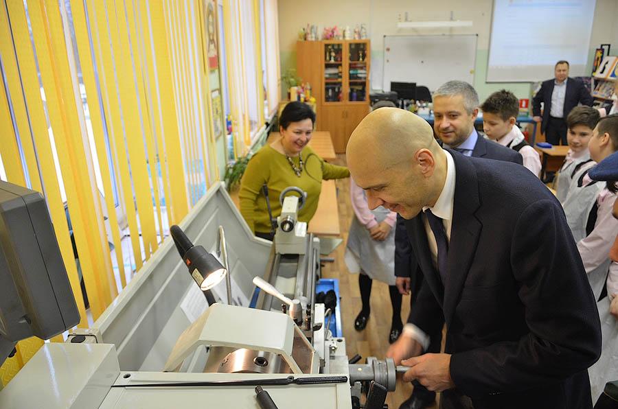 Дмитрий Голубков посетил Введенскую школу №3