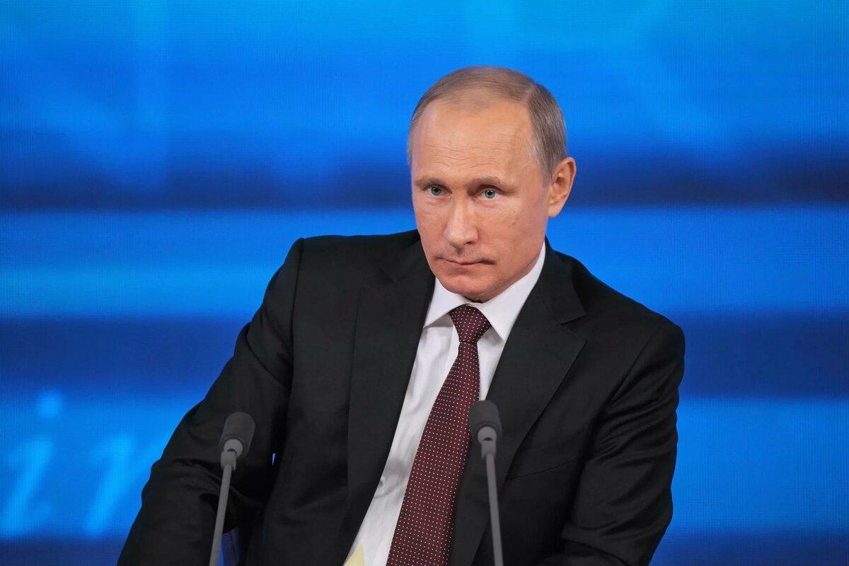 Путин подписал закон об указании аварийности дома в ЕГРН