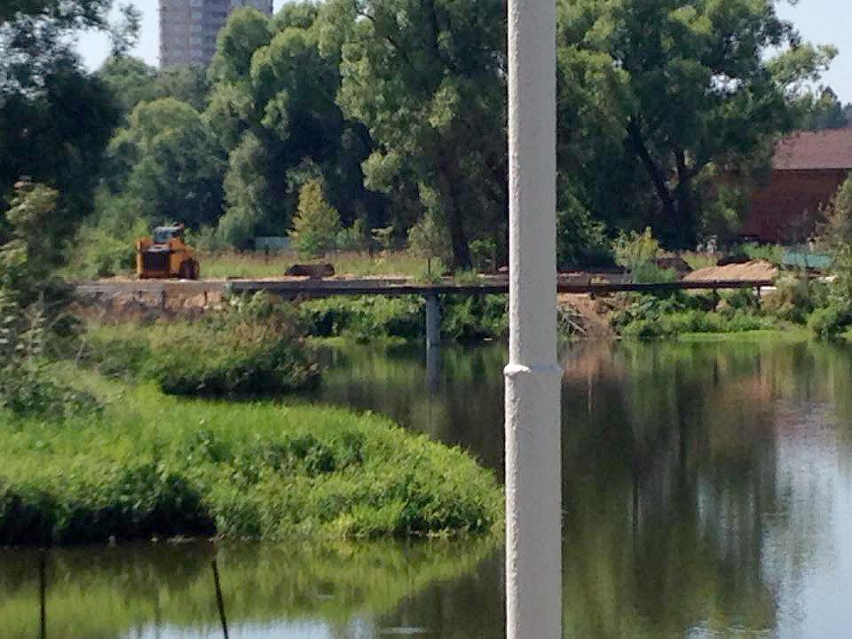 Несанкционированные земляные работы в усадьбе Введенское
