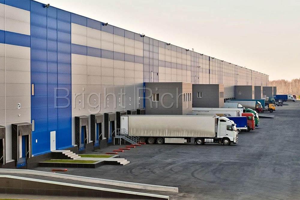 В районе Звенигорода на Новорижском шоссе пустуют примерно 10% складов