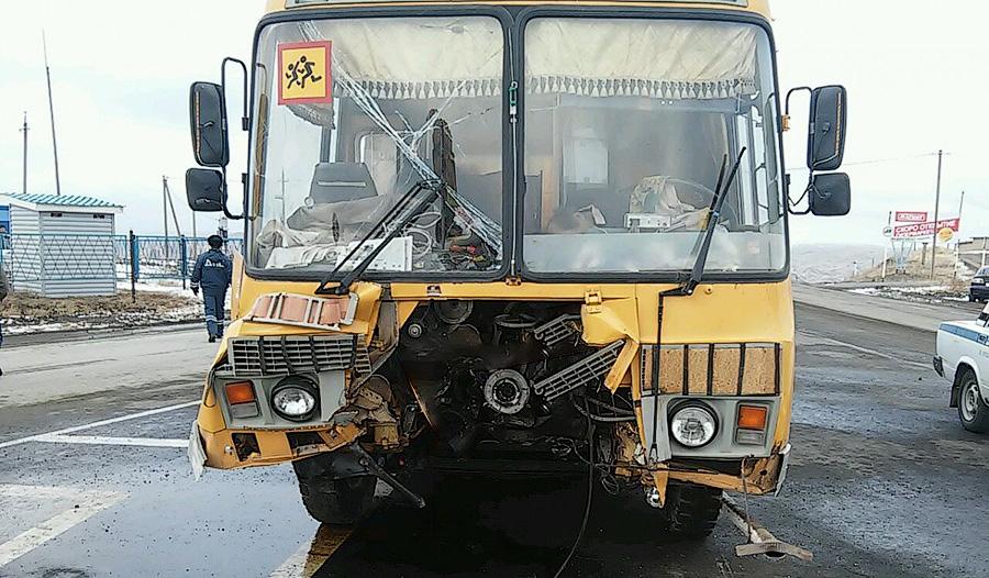 столкновения автобуса и грузовика на ул. Игнатьевская