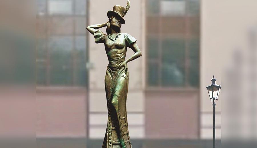 Памятник Л. Орловой выбран