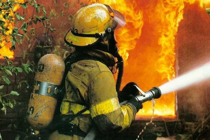 В Звенигороде сгорело старое здание полиции