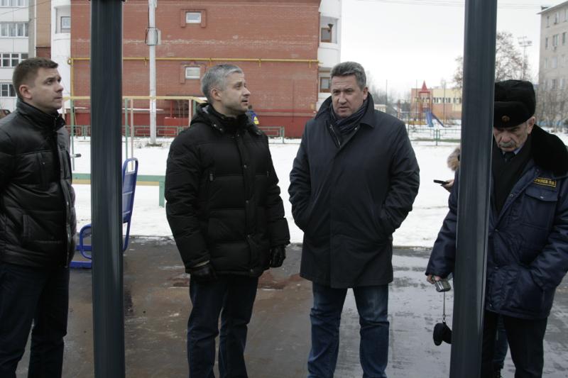 Александр Смирнов проинспектировал микрорайоны