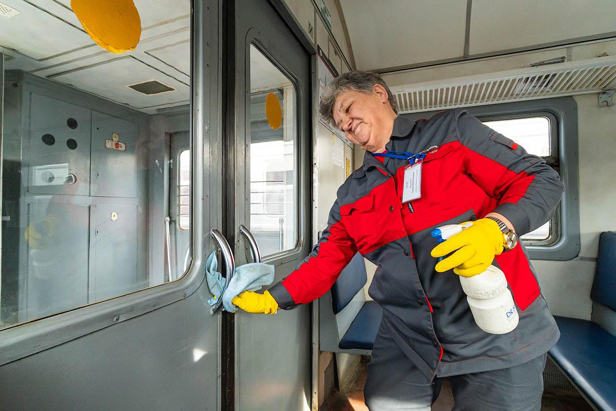 Поезда МЦД дезинфицируют круглосуточно